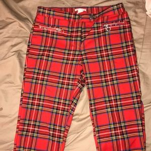 Red plaid trousers ! H&M similar to iamgia